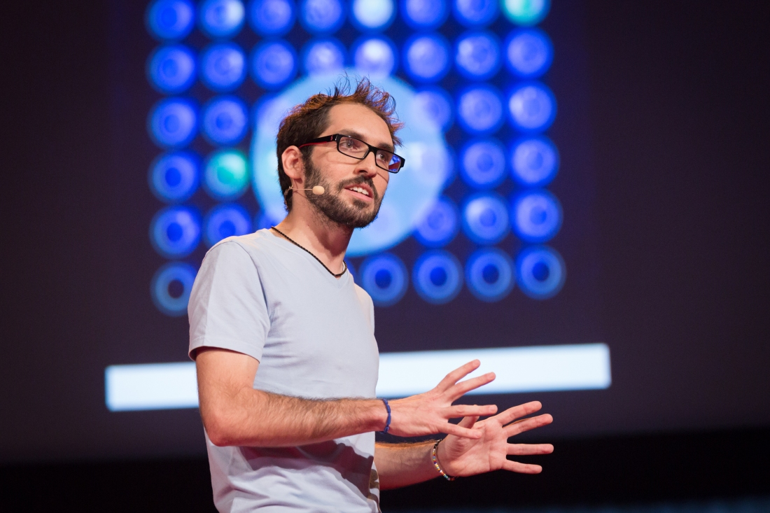 Jorge Soto speaks at TEDGlobal 2014.